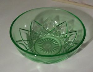 Vtg 30s Deco Anchor Hocking Green Depression Vaseline Glass Mixing Bowl