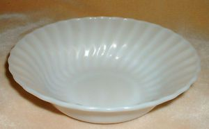 Anchor Hocking White Milk Glass Style Heat Resistant Serving Bowl 8 inch Dia