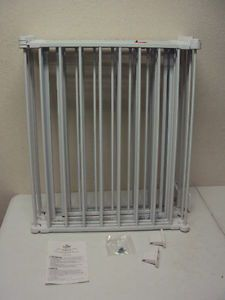 Regalo 4 in 1 Metal Baby Pet Gate Play Yard White 1350DS