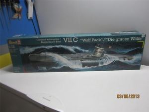 Revell 1 72 German U Boat Submarine VII C Die Wolf Pack 3ft Long Model Kit 05015