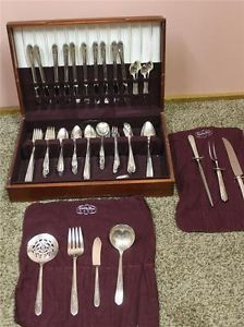 Nobility Plate Silver Set Royal Rose Oneida 104 Piece Silverware Flatware 1939