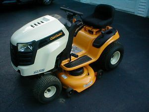 Cub Cadet Model 1040 Lawn Mower Tractor 2013