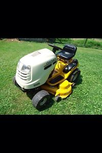 Cub Cadet LT1050 Riding Lawn Mower