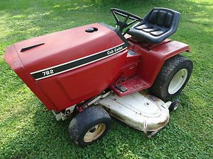 International Cub Cadet 782 Lawn Tractor Mower