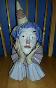 "Lladro ""Jester Clown Head"" 5129 Porcelain Figurine"