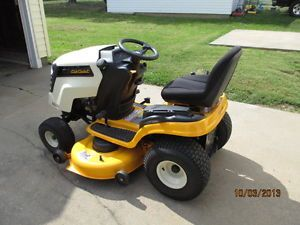 Cub Cadet LTX 1045 Riding Mower Lawn Mower Hydrostatic Kohler Engine New 2013
