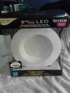 Utilitech Pro White Integrated LED Remodel Recessed Lighting Kit