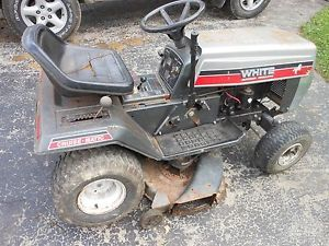 White Lt 12 Riding Lawn Mower Briggs and Stratton 12hp Engine