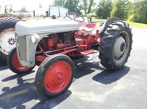 Used Ford 8N Tractor 25HP 4 Cylinder Gas Engine 4x1 Transmission PTO