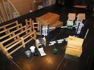Breyer Horse Huge Lot of Barn Stable Fences Jumping Accessories 30 Pieces