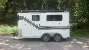 2001 Trail Et 2 Horse Trailer with Bumper Pull System