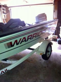 Warrior 166 Falcon Single Console w Warrior Trailer and 90 Horse Mariner