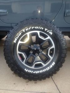 2013 OE Jeep Wrangler 10th Anniversary Rubicon Wheels and Tires