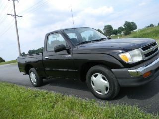 Toyota Tacoma Pickup 4CYL Automatic Transmission Low Miles Nice