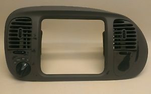 97 02 Ford Expedition F150 Radio Climate Dash Trim Bezel 4x4 Switch