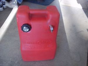 Chilton 6 6 Gal Marine Boat Tank Gas Fuel Can Model P6M for Outboard Boat Motor