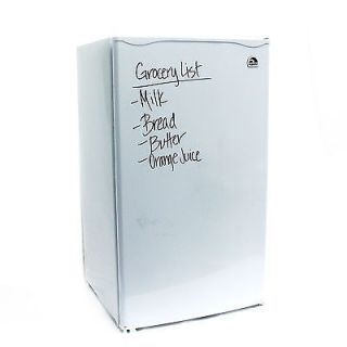 Igloo 3 2 CU ft White Dry Erase Board Compact Mini Fridge Refrigerator FR326
