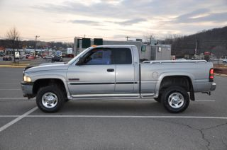 2000 Dodge RAM 2500 SLT Extended Cab Short Bed Cummins Diesel