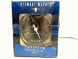Stewart Warner 701 1174 Fuel Pressure Gauge in Dash 1 15 PSI 2 5""