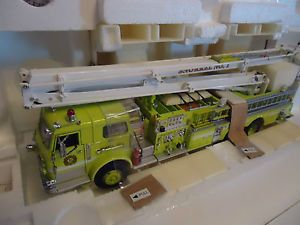 Franklin Mint Pierce Snorkel Fire Engine Ed in Box