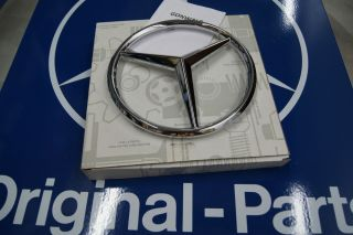 Mercedes Benz Grille Emblem Star Sprinter 2500 3500 Genuine 9068170016