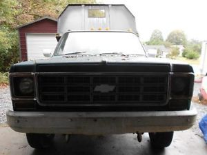 1977 Chevy Custom Deluxe 30 4 Wheel Drive Dump Truck Metal Bed