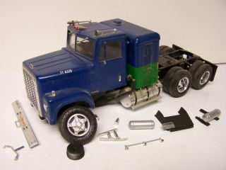 Ertl International Conventional 4300 Parts Truck Junkyard Diesel