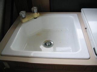 Coleman Fleetwood Grandview Pop Up camper Sink