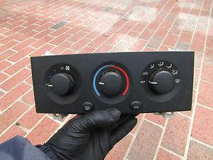 6054 Jeep Grand Cherokee 99 Temp AC Heat Climate Control Panel Unit Switch