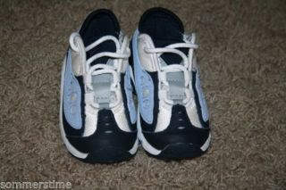 Boys Blue White Nike Tennis Shoes Sneakers Size 5 Child Baby Toddler