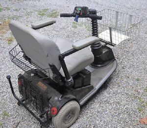 Rascal Heavy Duty Power Chair 3 Wheeled Scooter with Ramp