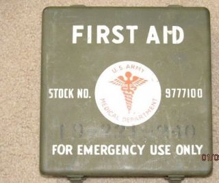 WWII US Army Medical Department First Aid Kit with Contents Very Nice Condition