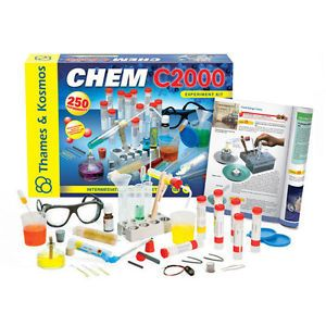 Thames Kosmos Chemistry Lab Set C2000 2011 Edition Fun Educational Science Toy