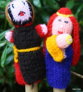 X4 Christmas Finger Puppets Hand Knitted Set 2