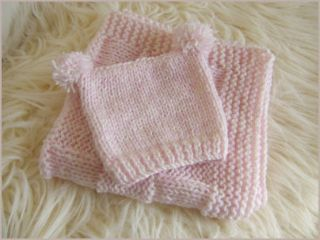 Hand Knitted Baby Sets Pram Blankets Car Seat Quilt with Knitted Baby Hats