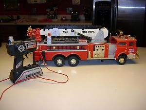 "Red Steeracon 22"" Fire Engine Truck Remote Control Kids Toy Extending Ladder"
