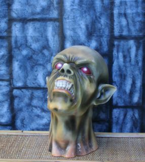 Severed Vampire Bloody Fountain Head Only Part Halloween Prop