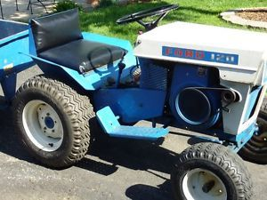 Ford 120 Tractor Late 1960's Good Lawn or Garden Tractor