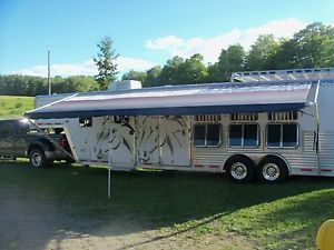 2005 FeatherLite 4 Horse Slant Trailer with LQ 35 ft Long