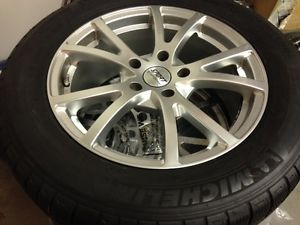 "Jeep Grand Cherokee SRT 8 18"" Wheels Run Flat Winter Snow Tires"