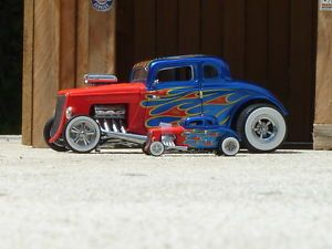 Hot Wheels 34 Ford Coupe 2 Car Set Hot Wheels Legends 1 24 and 1 64
