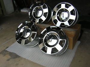 "03 06 Lincoln Navigator Chrome 18"" Wheels Used"