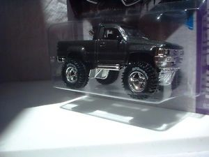 Hot Wheels 2013 1987 Toyota Pickup Truck Custom Paint Wheels R R