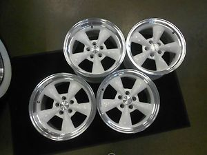 Ford Mustang Shelby Cobra 17 inch Bullitt Torq Thrust White Machined Lip Wheels