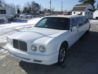 Lincoln Town Car Bentley Stretch Limo
