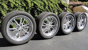 "Cadillac Escalade Vogue Chrome 22"" Wheels 305 40R22 Tires"