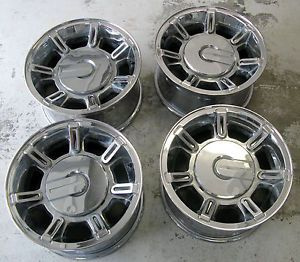 Hummer H2 GM 17 Chrome Wheels Rims 2006 Center Caps Chevrolet 2500 GMC
