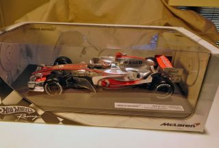 Hot Wheels Racing 1 18 Scale McLaren MP4 22 Fernando Alonso F1 Die Cast