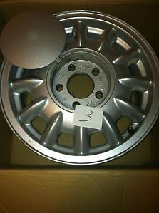 "Used 96 97 98 99 Olds 88 98 15"" Aluminum Alloy Wheel with Center Cap"