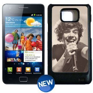 ONE DIRECTION Harry Singing Samsung Galaxy SII S2 i9100 (PLEASE CHECK THIS IS THE CORRECT MODEL NUMBER) Hard Phone Cover Case